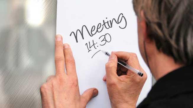 Mencatatat Jadwal Rapat maupun Pertemuan