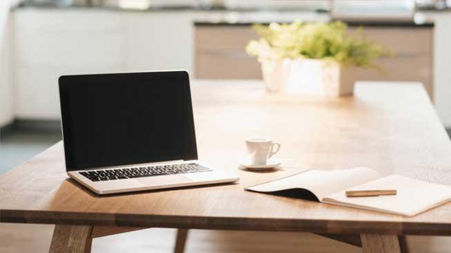 Merapikan Meja Kerja